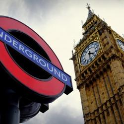 westminster_big_ben_tube_sign