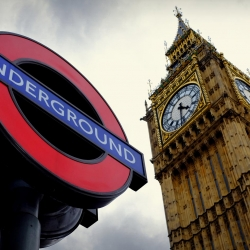 westminster_big_ben_tube_sign