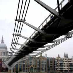 millennium_bridge_1