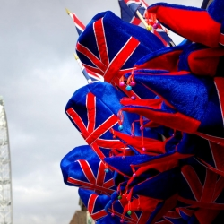 london_south_bank_eye_hats_union_jack