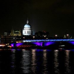 st_pauls_thames_night