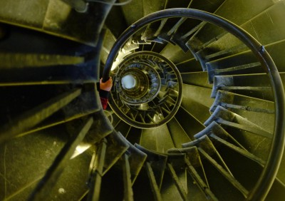 monument-spiral-stairs-4