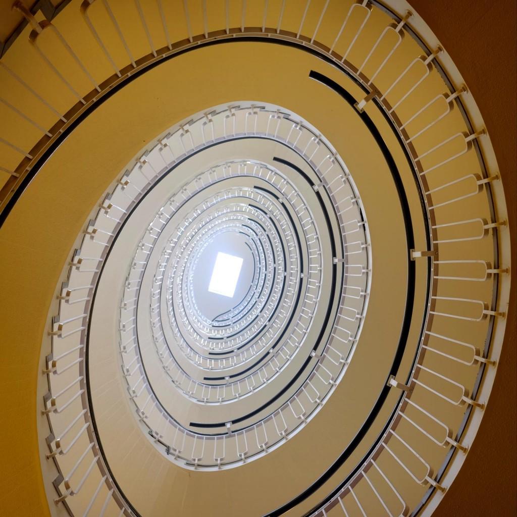 premier-inn-blackfriars-spiral-stairs-1