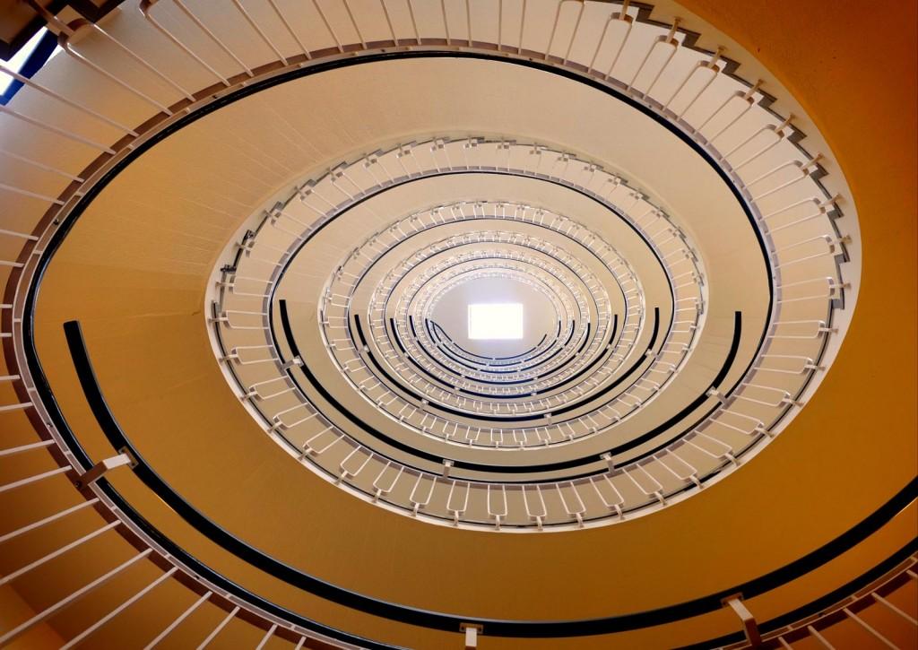 premier-inn-blackfriars-spiral-stairs-2
