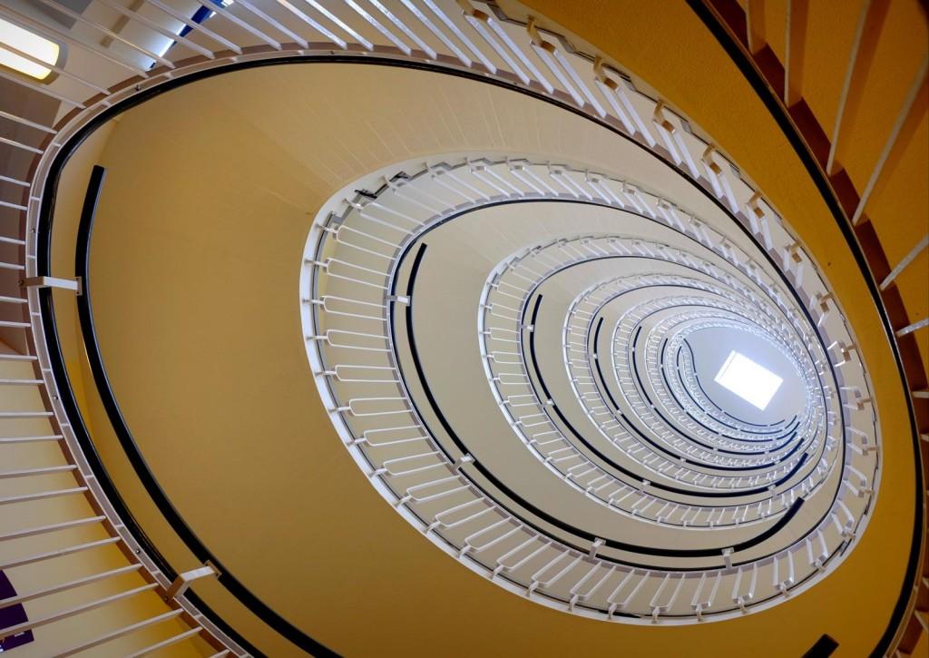premier-inn-blackfriars-spiral-stairs-3