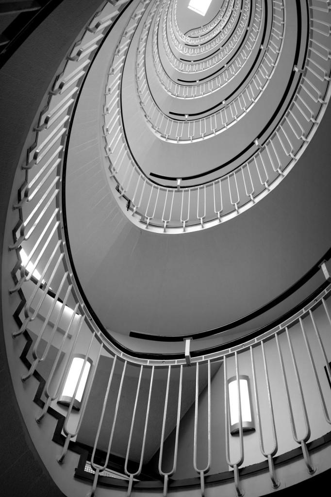 premier-inn-blackfriars-spiral-stairs-5