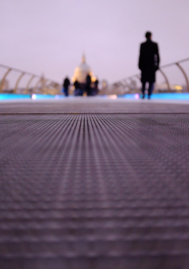Millennium-Bridge-Close-Up-3