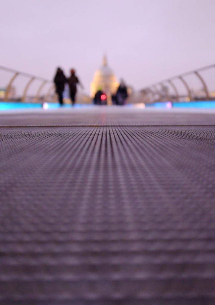 Millennium-Bridge-Close-Up-4